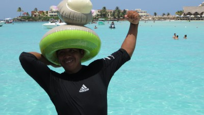 Even Liquidity's first-mate Tony got in on the fun action at Isla Mujeres with his inflatable monkey hat.